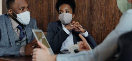 Het normaliseren van de arbeidsverhouding nadat een werknemer in strijd met de mondkapjesinstructie heeft gehandeld